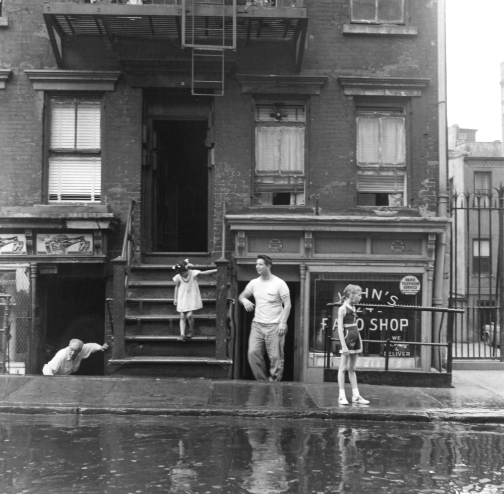 Imogen Cunningham, Summer Day, New York City, 1956. (Foto © Imogen Cunningham Trust)